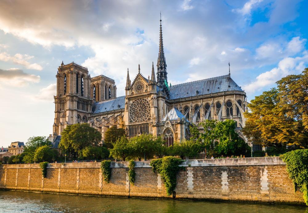 Фото: собор парижской Богоматери