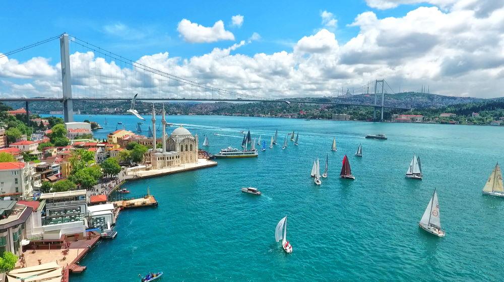 Фото: Пролив Босфор в Стамбуле