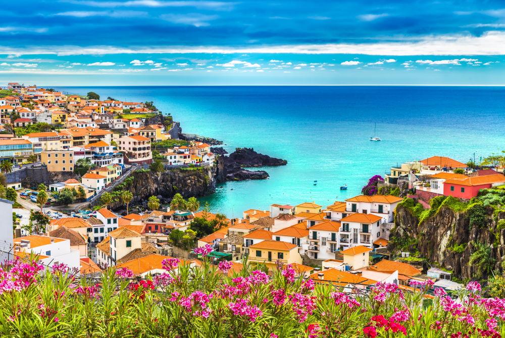 Фото: Пляж в Мадейра (Португалия)