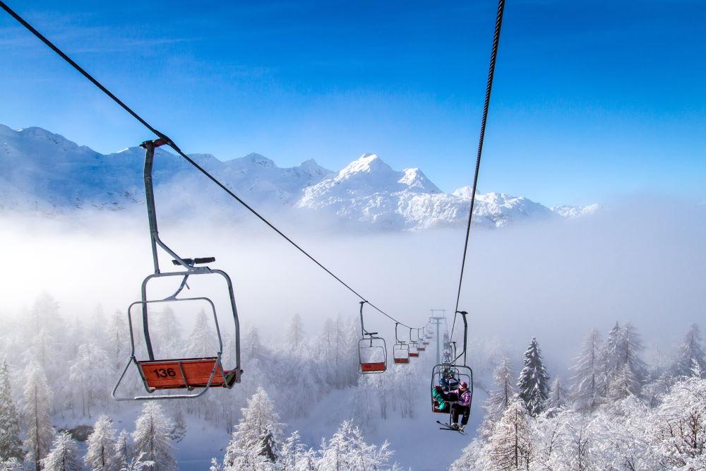 Фото: подъемник на горнолыжном курорте в Словении