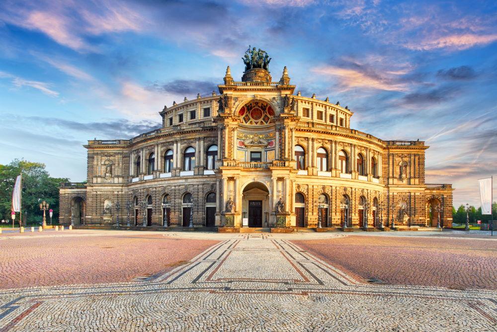 Фото: Опера Земпера в Дрездене