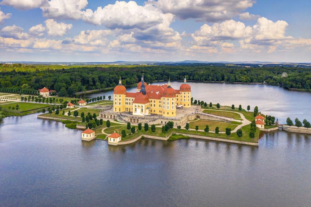 Фото: Замок Морицбург в Дрездене