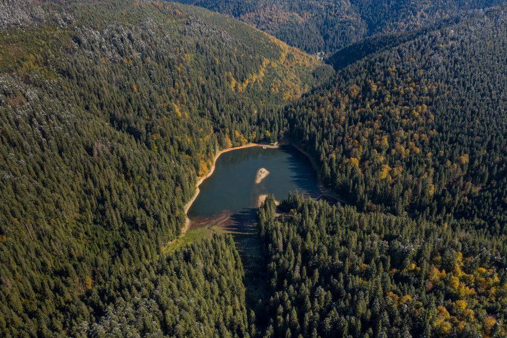 Фото: Озеро Синевир